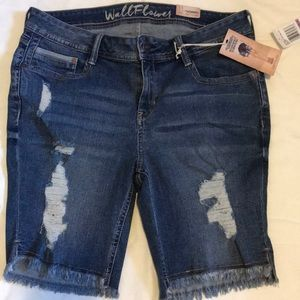 NWT Wallflower Bermuda shorts
